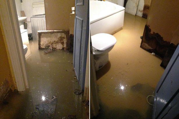 ท่อน้ำรั่วในบ้าน